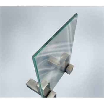 Прозрачное стекло 6 мм с прирезкой за м кв.