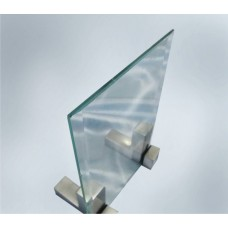 Прозрачное стекло 4 мм с прирезкой за м кв.