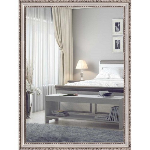 В гостиную или спальню можно выбрать зеркало в багете